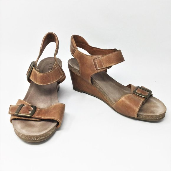 Taos Tan Wedge Buckle Up Leather Sandals 8-8.5